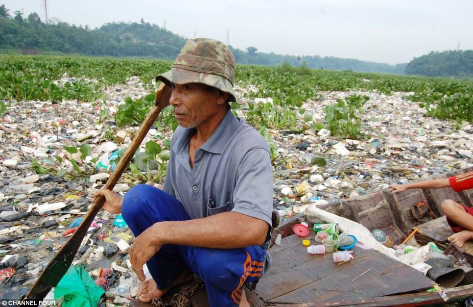 Textile Factories Contaminate Indonesia's Citarum River – Sourcing