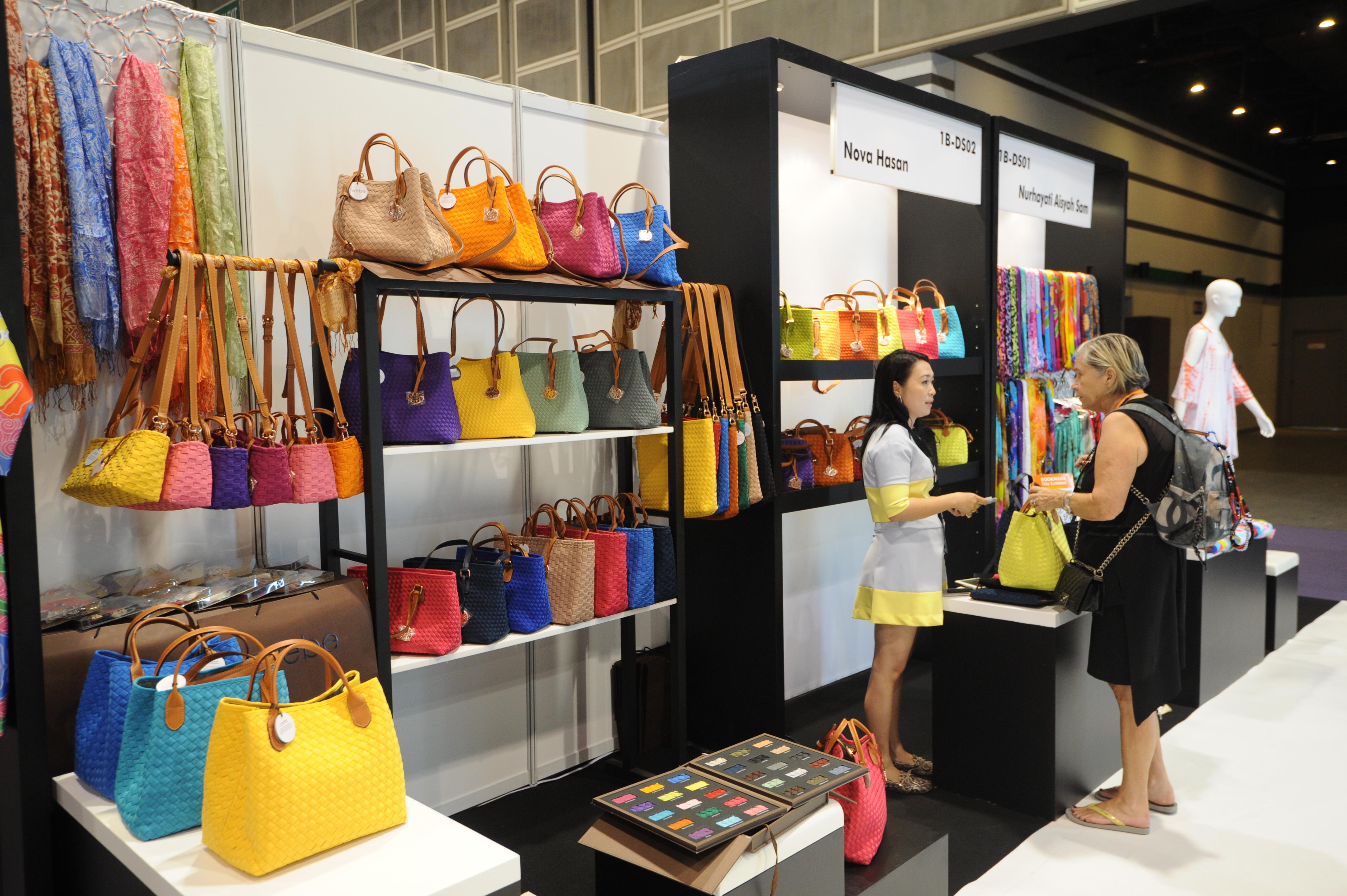 Hong kong clothing online