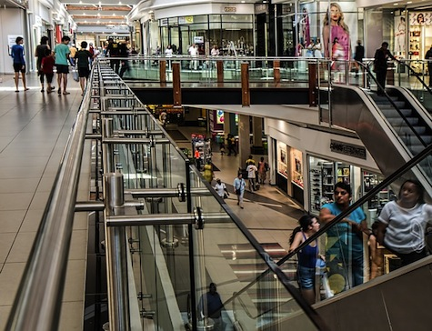 US Consumer Confidence Jumps to Highest Level in Almost a Year
