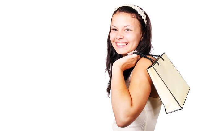 young shopper pixabay
