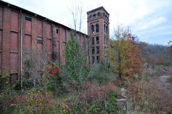 Abandoned mill in Newry, South Carolina