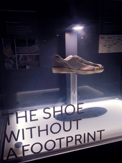 The Shoe Without a Footprint