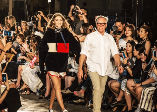 what effects do the fashion industry Now the uk's fashion industry is worth £26 billion & 800,000 jobs to the economy ,  of course, these soft power effects are not restricted to the uk.