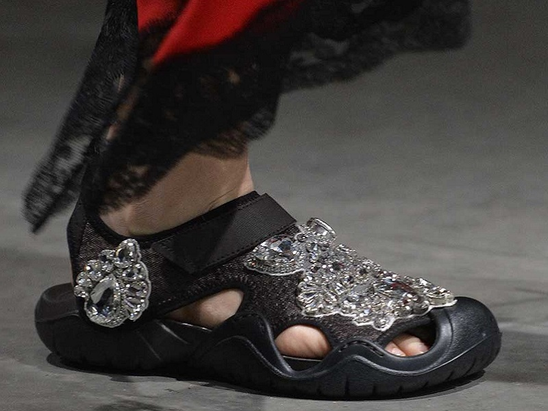 f569167c7e7f8 The second runway collaboration between Crocs and British designer Christopher  Kane debuted at London Fashion Week on Monday. Kane s bespoke take on Crocs   ...