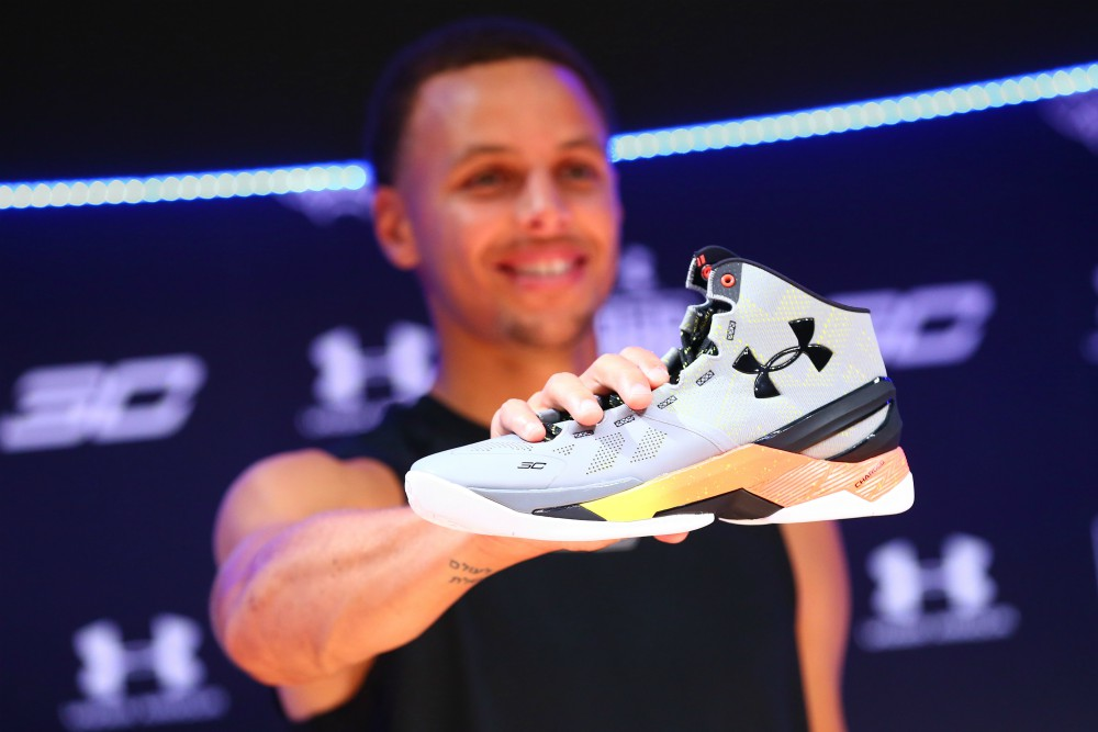 Under Armour is falling out of favor with teens, and even NBA superstar Steph Curry can't seem to help turn things around.
