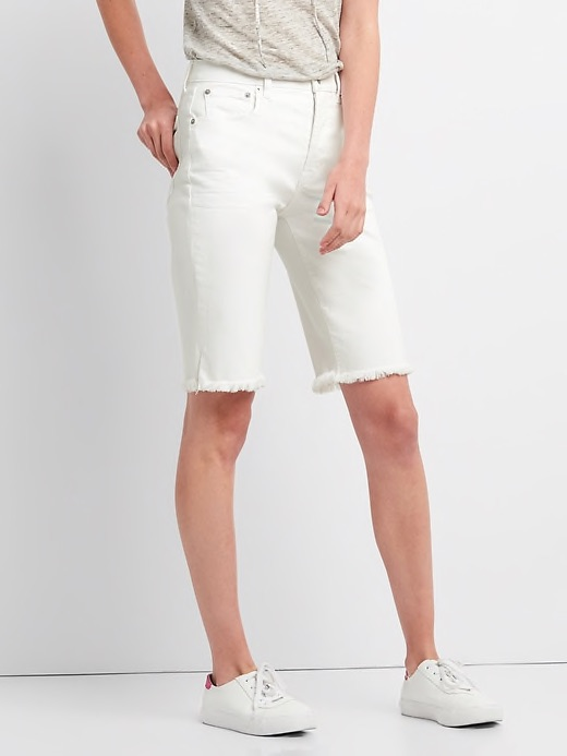 High rise Bermuda shorts with frayed hem