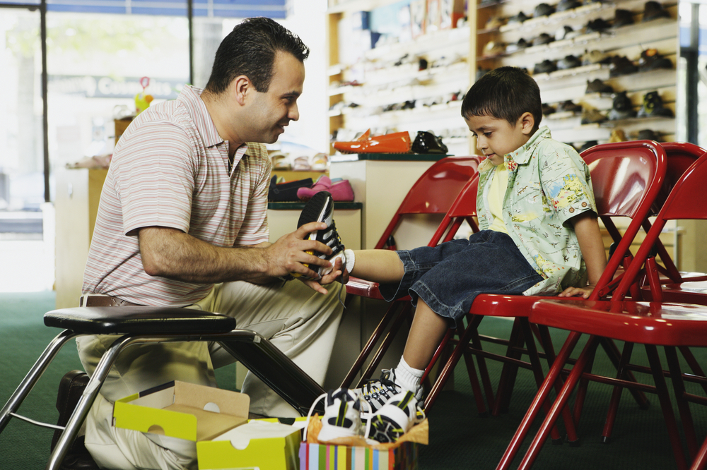 Parents can use the Jenzy mobile app to measure their kids' feet and find right-sized footwear.