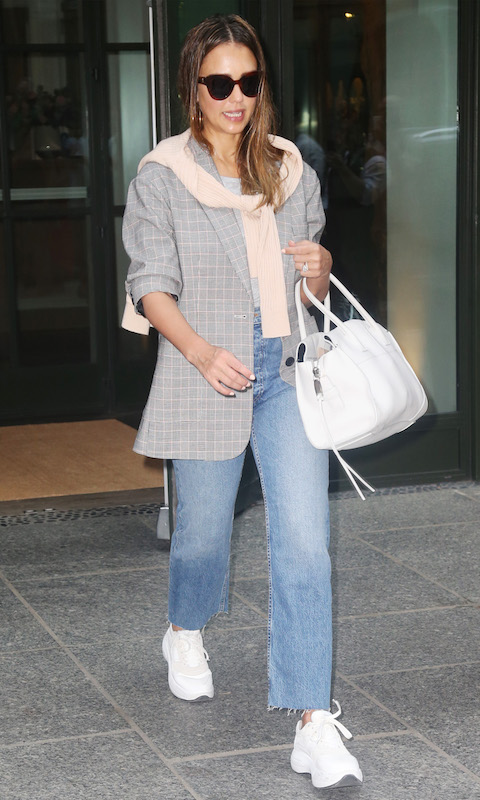 Jessica Alba in Re/Done jeans
