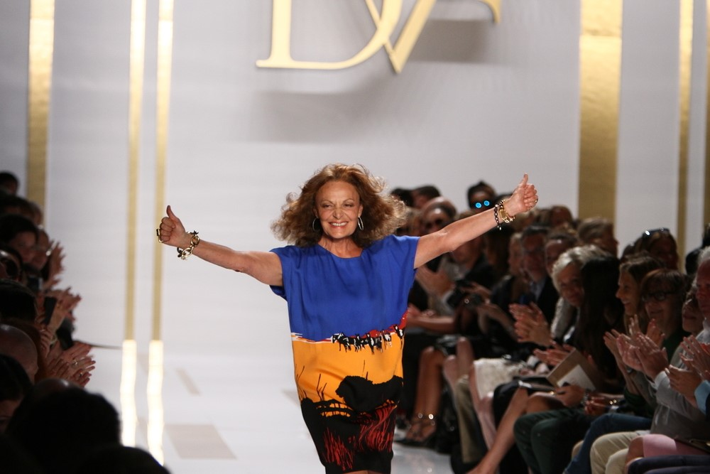 Diane von Furstenberg's new virtual reality experience welcomes fans behind the scenes, all without the typical VR goggles.