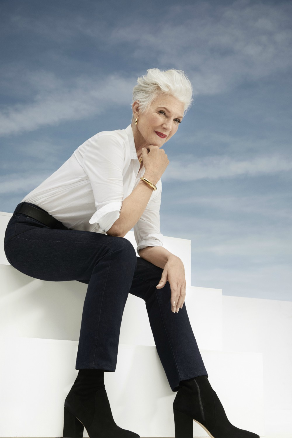 Mother to Elon Musk, Maye Musk is a Canadian-South African model and dietitian.