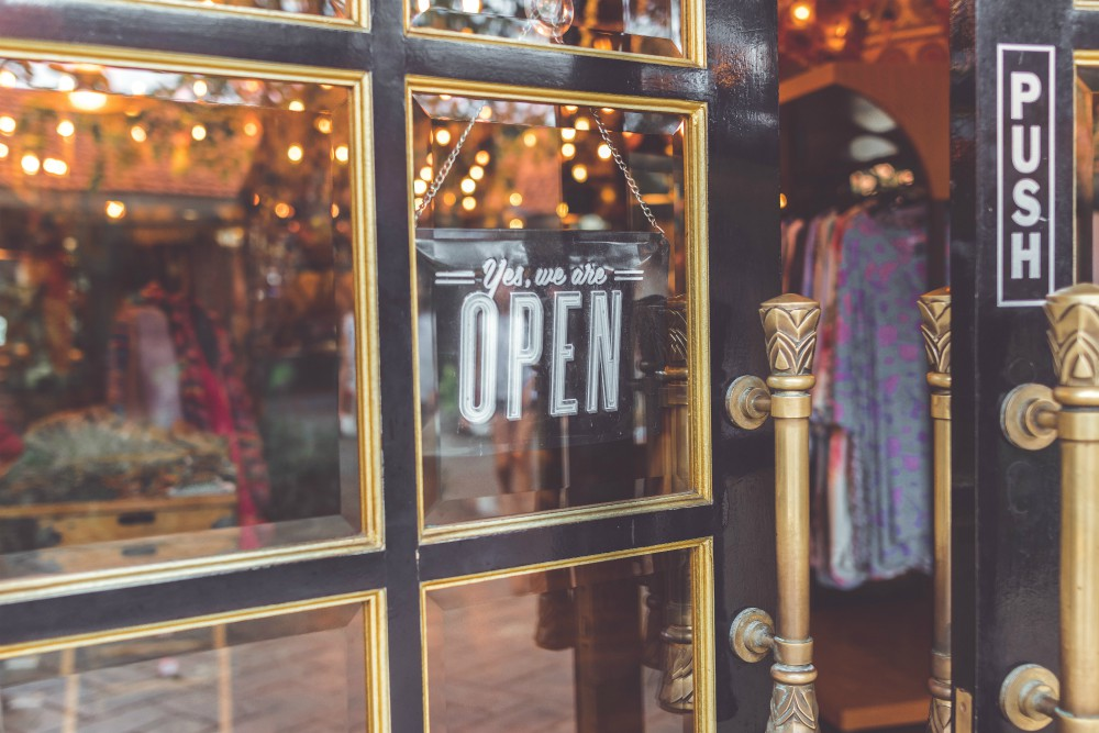 RSR store report finds more retailers opening than closing stores.