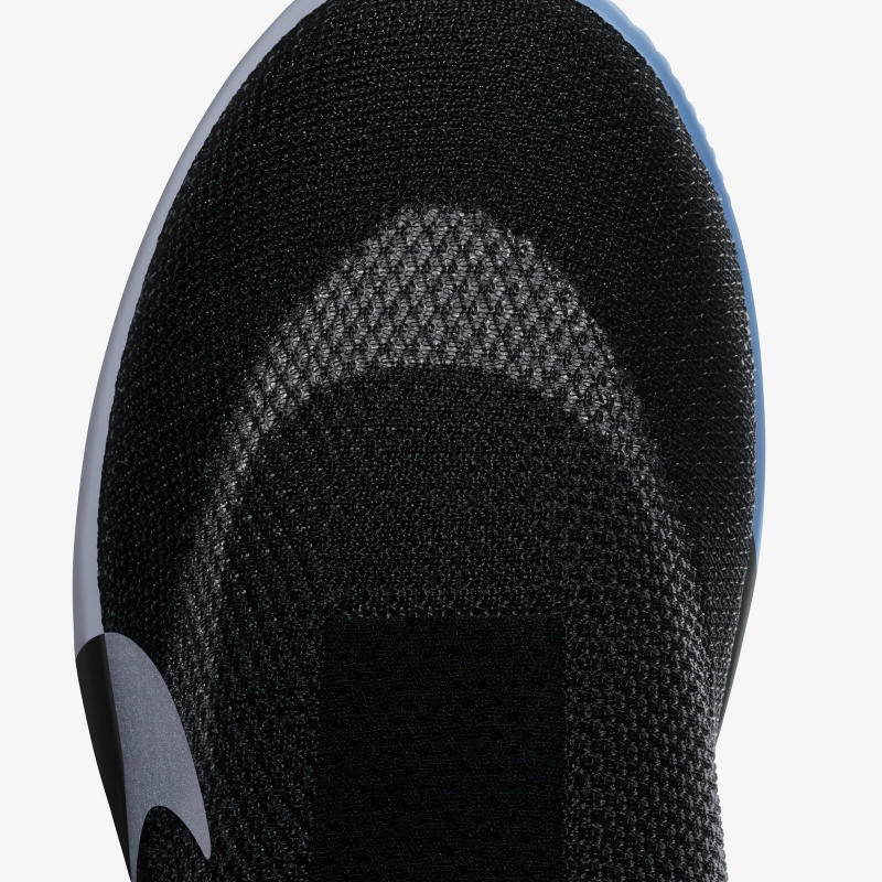The upper will be made with Nike's popular Flyknit material which will cover an inner white shell composed of Quadfit mesh.