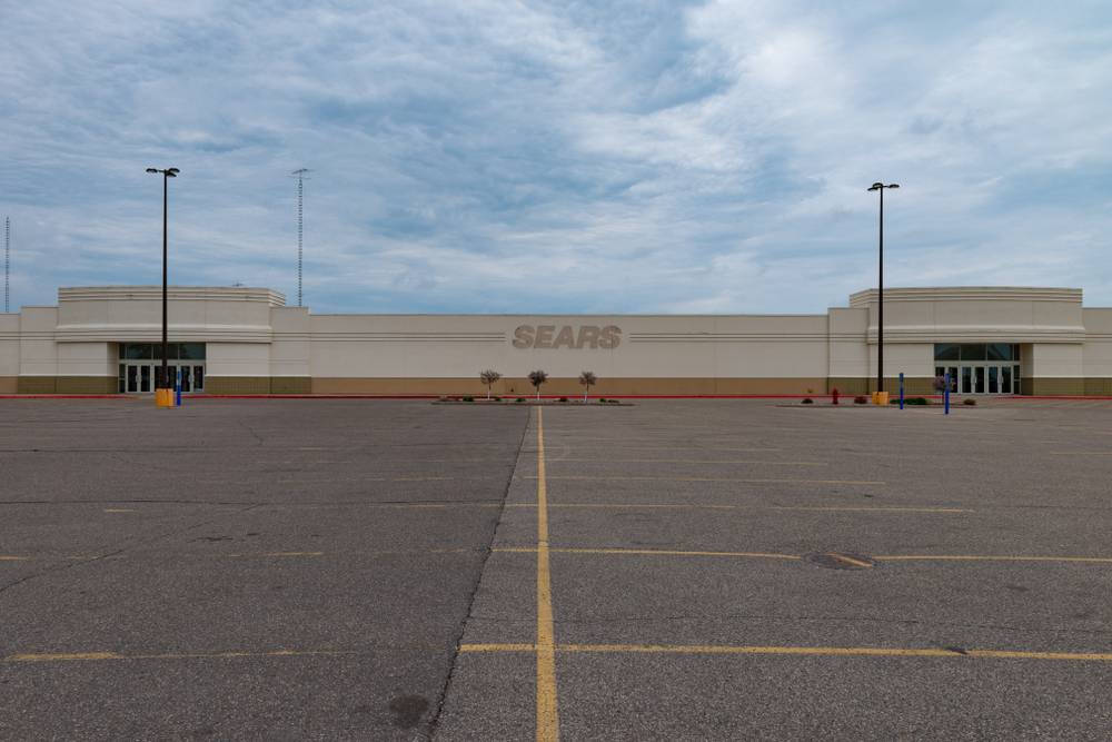 Sears store with empty parking lot