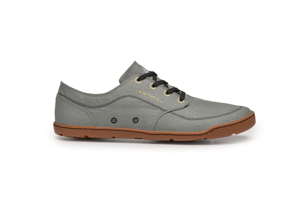 The Hemp Loyak a hemp version of the original, low-profile shoe.