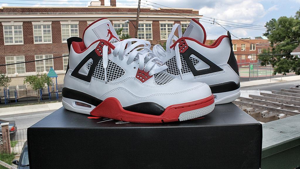 5.Air Jordan 4 Retro