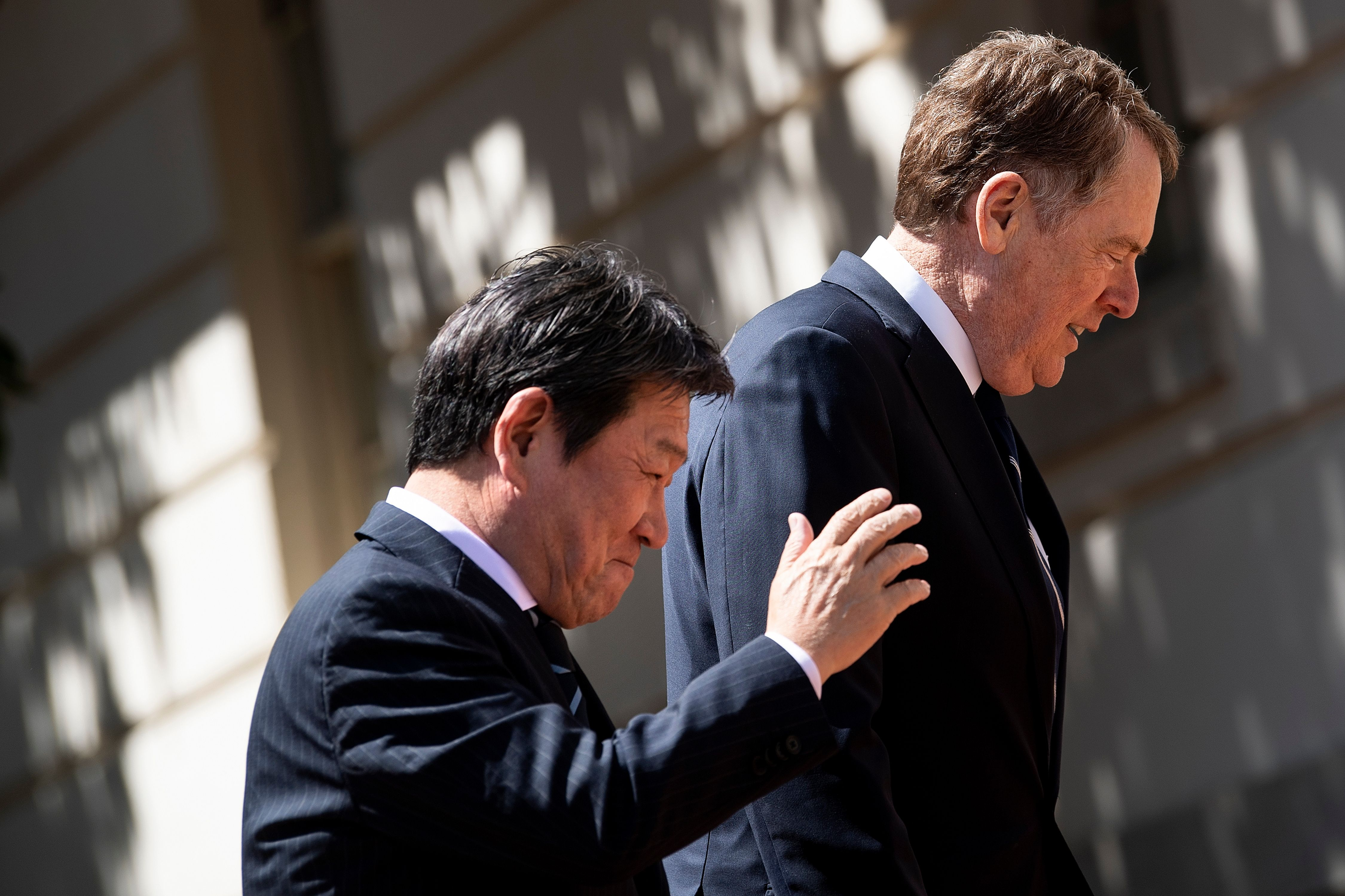 Toshimitsu Motegi with Robert Lighthizer in Washington D.C. on April 16.