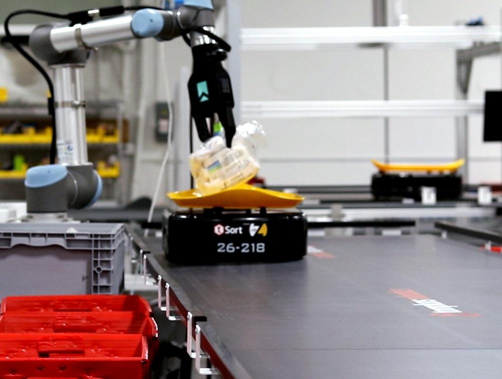 righthand robotics mobile robot sorter warehouse fulfillment automation locus robotics e-commerce