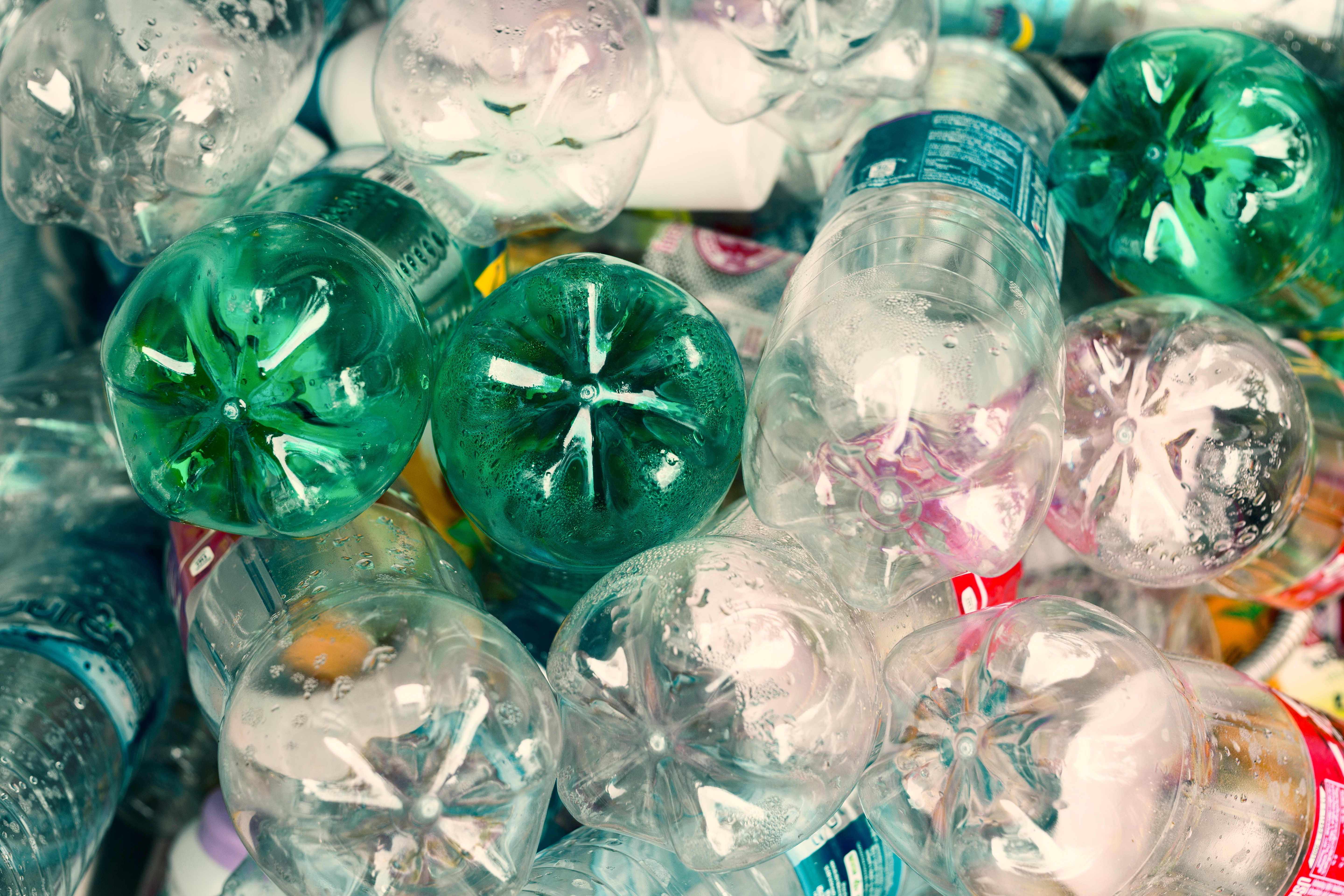 Eastman Chemical Company introduced Avra, a high-performance fiber made from post-consumer plastic bottles