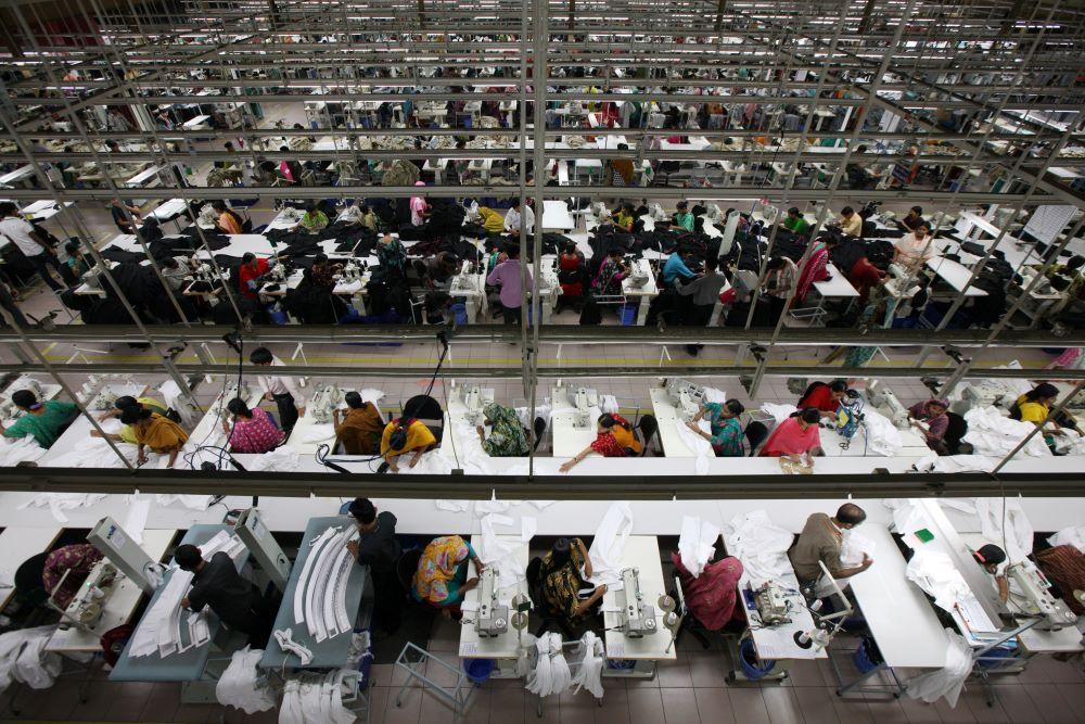 Workers at a garment factory in Bangladesh. trade war boon for bangladesh