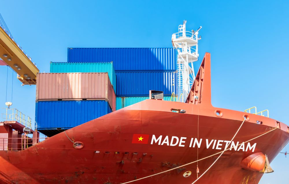 vietnam trade surplus lighthizer