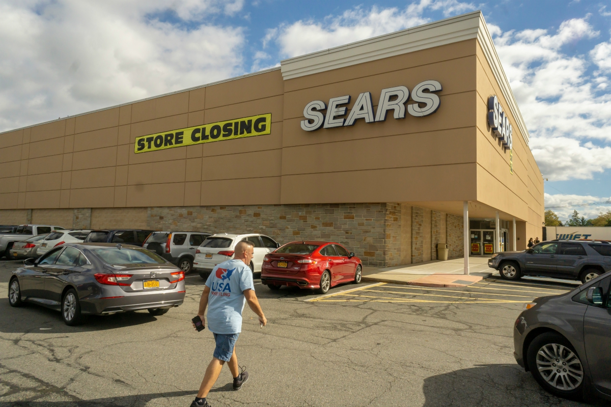 Why Struggling Sears is Closing 26 Stores