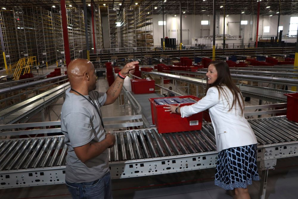 macy's backstage distribution center in columbus, ohio, uses google cloud technology