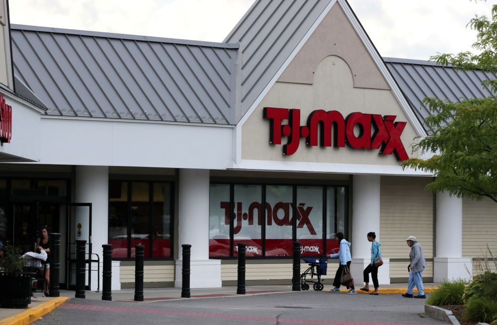 Do TJX Q2 earnings point to a slowdown in spending by the aspirational consumer?