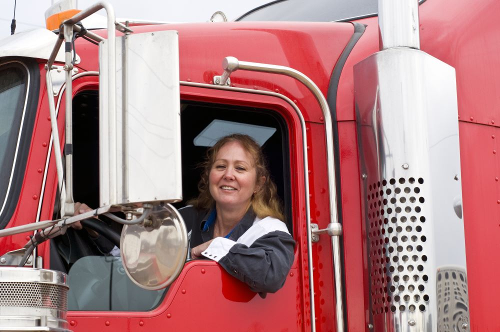 female truckers industry driver shortage recruitment