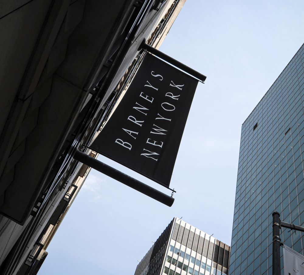 Barneys' execs share $1 million incentive bonus if they sell company, a bankruptcy court has determined.