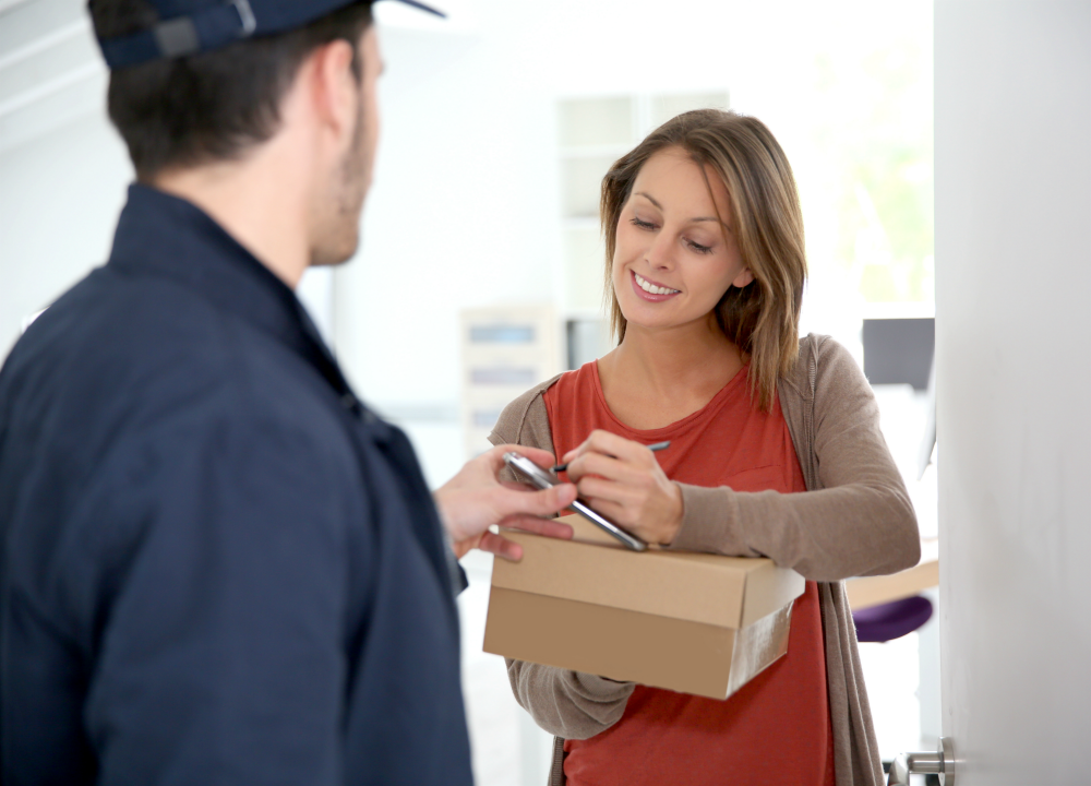 Zalando customers in Denmark can now pick up and return their packages with the company's neighbor network.