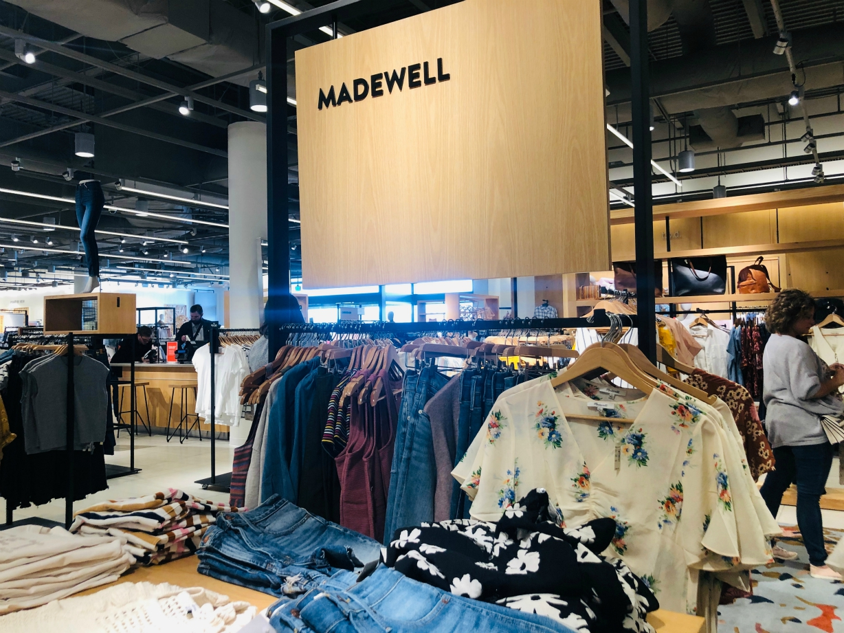 Madewell and Old Navy initial public offerings could be delayed due to recent failed IPOs clouding the investor appetite for risky bets.