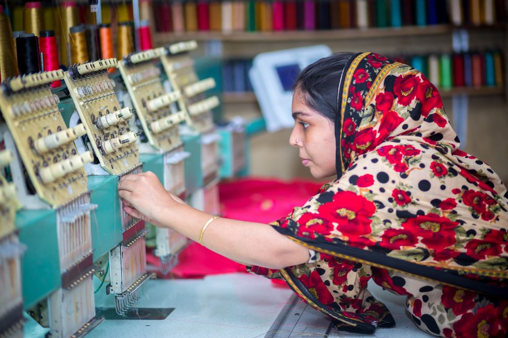 A push by Bangladesh's government seeks to bring 90 percent of the country's garment workers under a digital wage system by 2021.