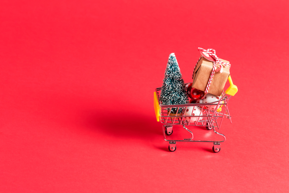 A new CommerceHub survey reveals that 44 percent consumers prefer an abundance of choices above all when shopping this holiday season.