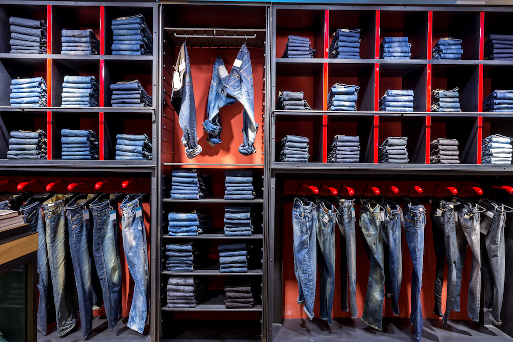 Shoppers at teen retailers and specialty sizing stores are unable to find jeans, according to a survey from tech firm CB4.