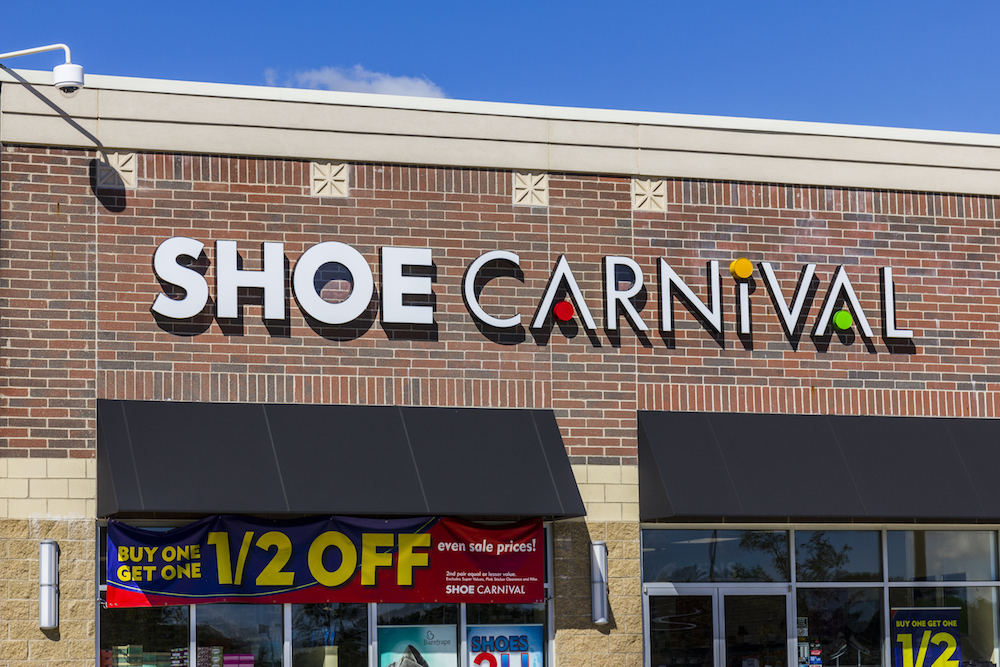 Shoe Carnival's positive third-quarter led the footwear retailer to upgrade its full-year outlook in both earnings and net sales.