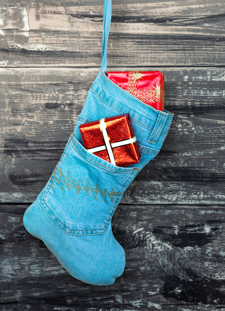 From notebooks and watches to headbands, bow ties and scrunchies, we've rounded up the best denim-themed stocking stuffers for denim lovers.