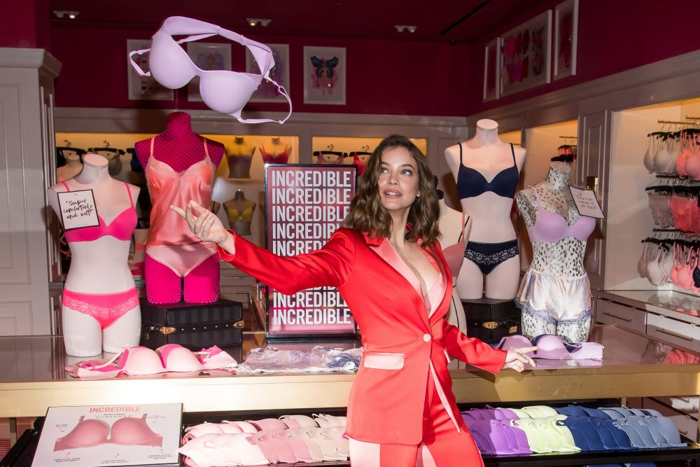 L Brands is looking to inject Victoria's Secret with fresh merchandising and upgraded fabrics to pull the chain out of the doldrums.