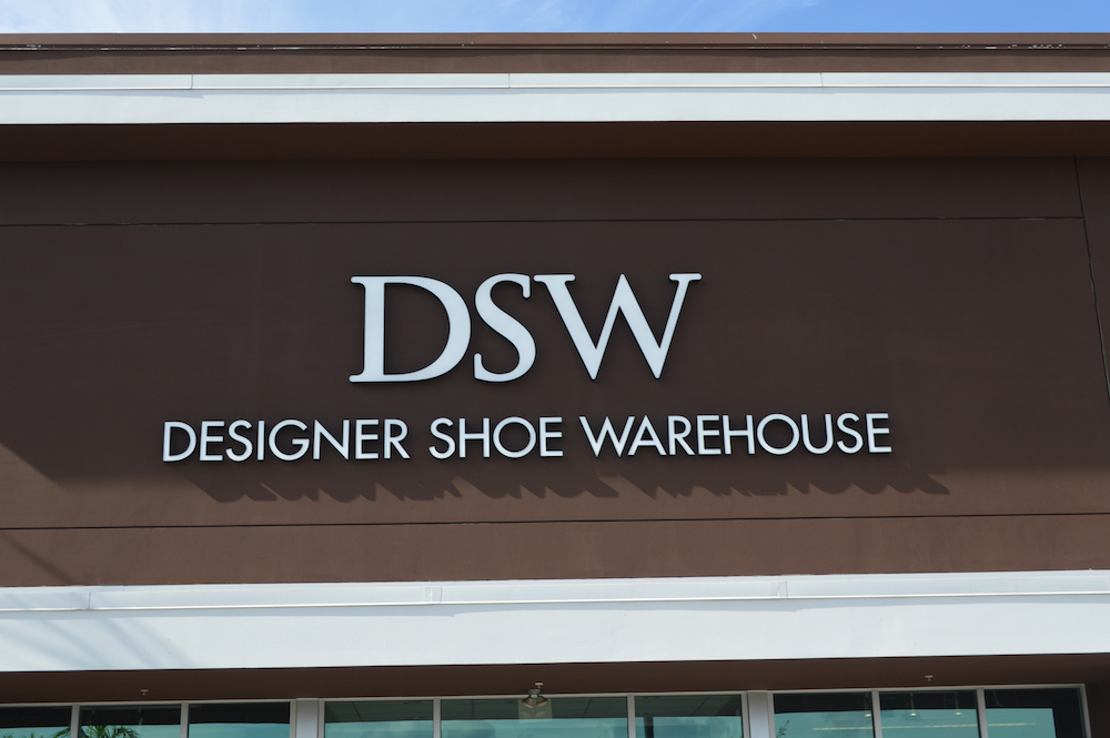 Designer Brands Inc. released its Q3 results, showing weakness in margins and earnings due to warm weather and tariff troubles.