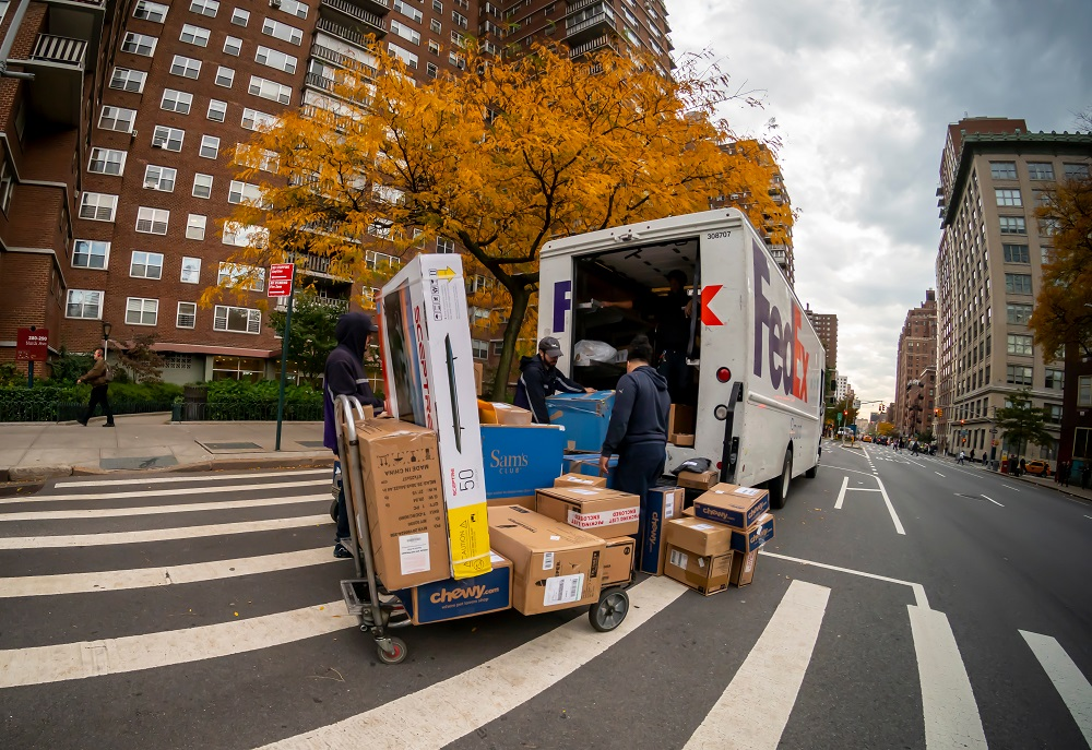 Holiday shipping got off to a robust start, with parcel shipping volume and on-time delivery reaching new heights, according to Convey Inc.