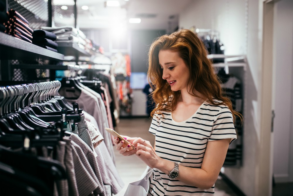 Resulticks Says Holiday Shoppers Love Stores But Check Prices Online Sourcing Journal