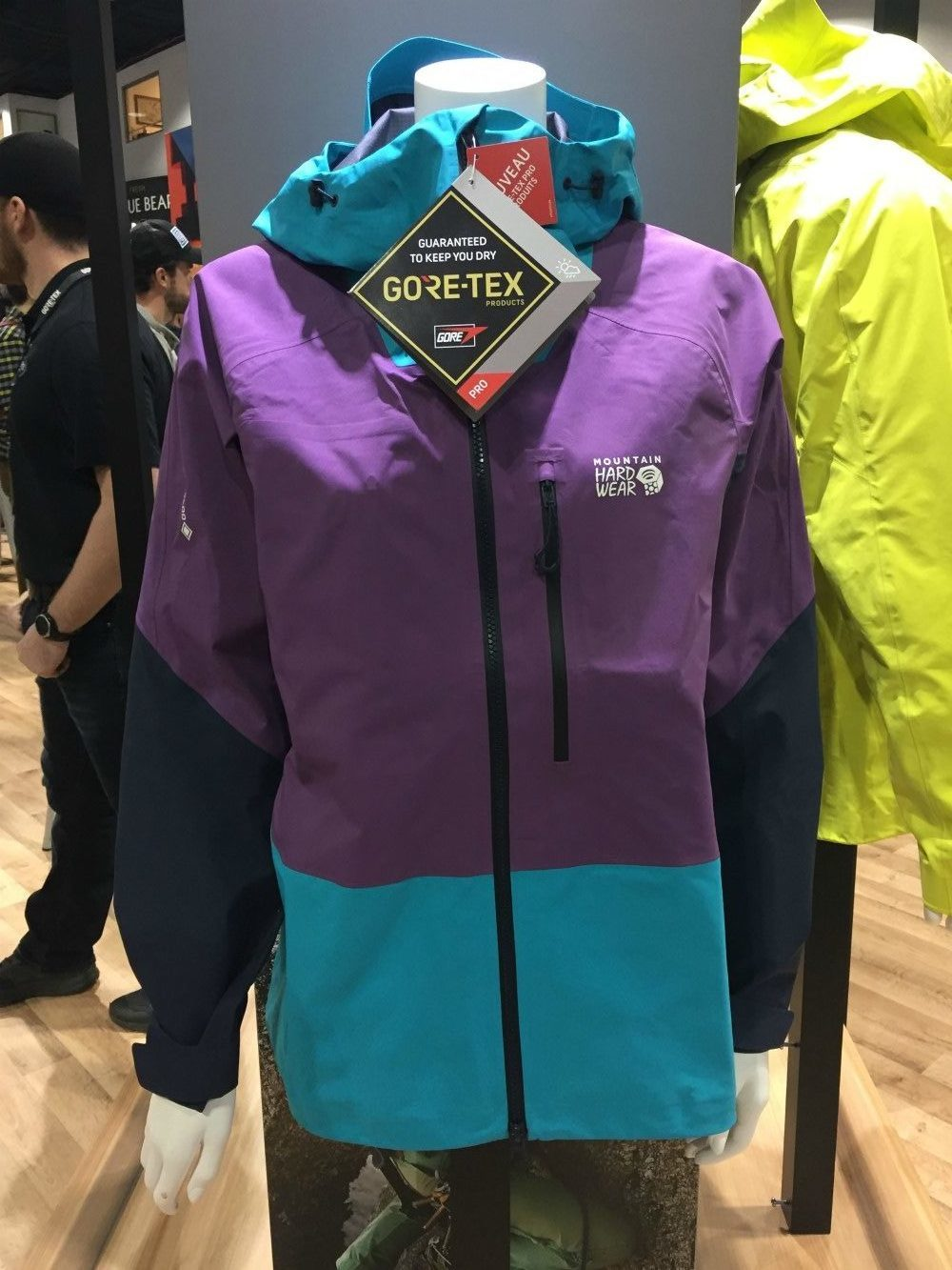 Gore-Tex Pro Shell technologies display enhanced durability, stretch and breathability.
