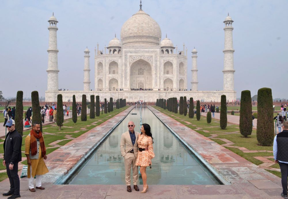 As Amazon CEO Jeff Bezos toured India touting a new plan to invest $1 billion into its small businesses, merchants voiced concerns.