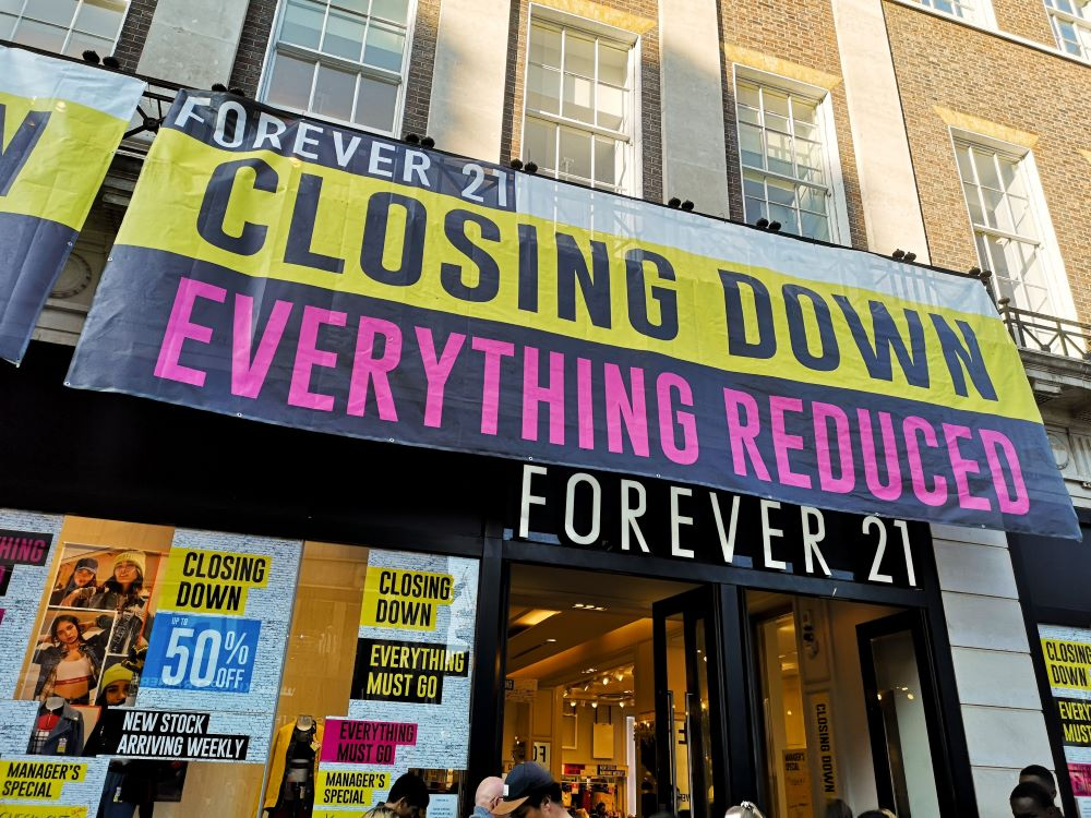 Bankruptcy Forever 21's cash-strapped and is hoping to find a buyer to keep the business in operation so it won't be forced to liquidate.