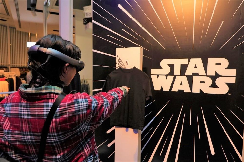 "H&M and makeup brand Pat McGrath made experiential magic for fans of the Star Wars film franchise when ""The Rise of Skywalker"" bowed."