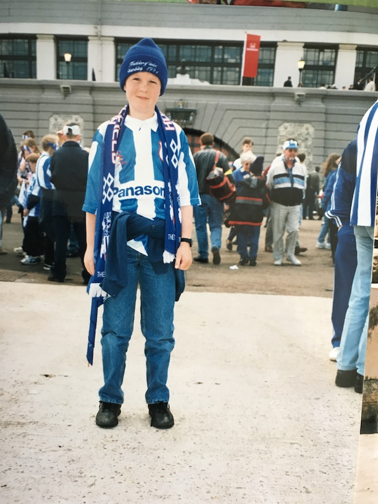 British artist and Rivet 50 member Ian Berry reminisces on his '90s denim look in fake Levi's 501s at Wembley for throwback Thursday.