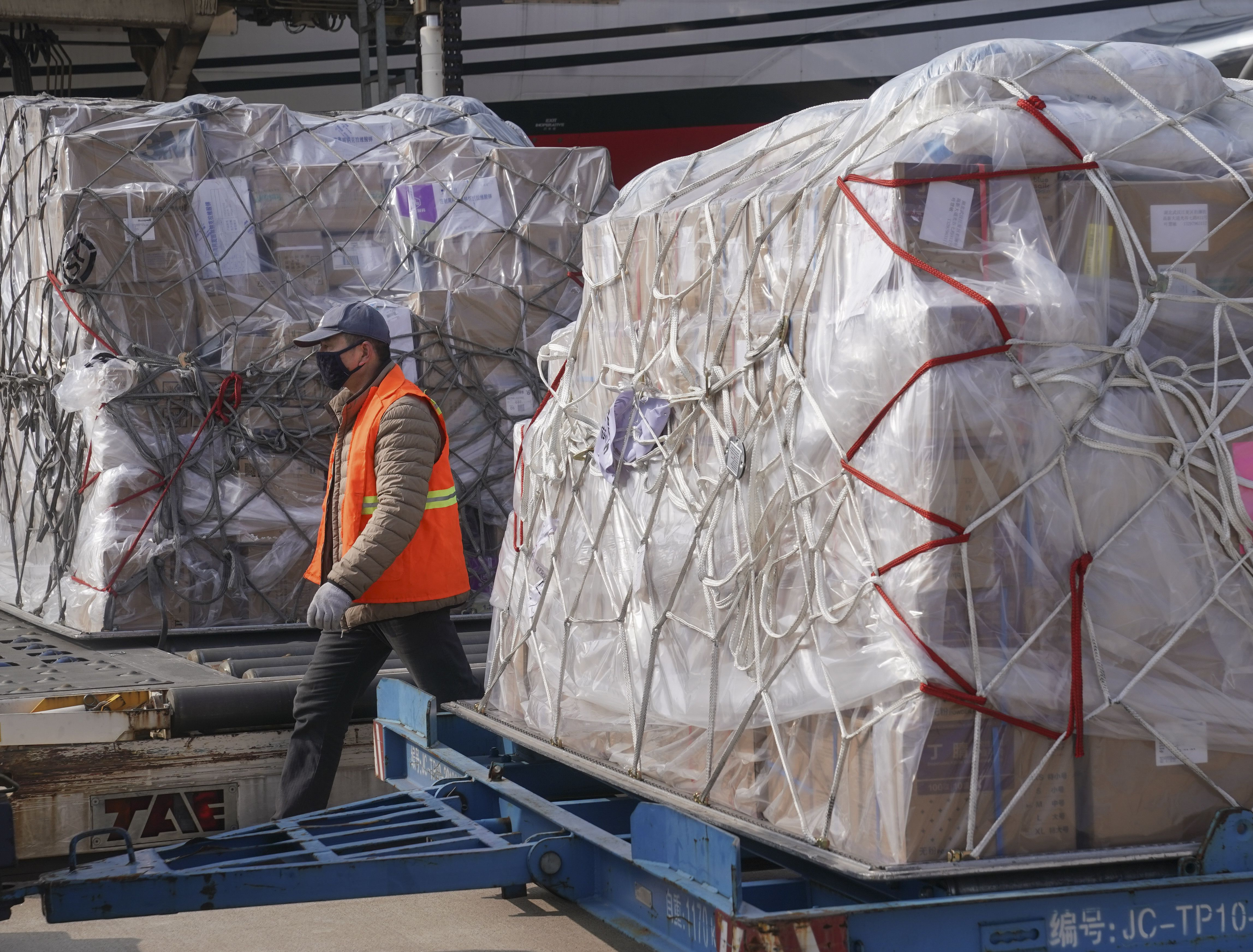 A new report from DHL's Resilience360 on the impact of Coronavirus on China and global supply chains finds cargo shipments facing delays.