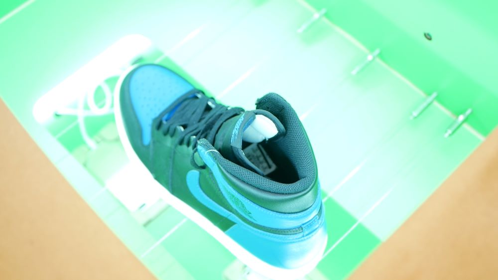 Artificial intelligence startup Entrupy bowed Legit Tech Check to help retailers and sneaker resellers verify Nike Air Jordans and Yeezys.