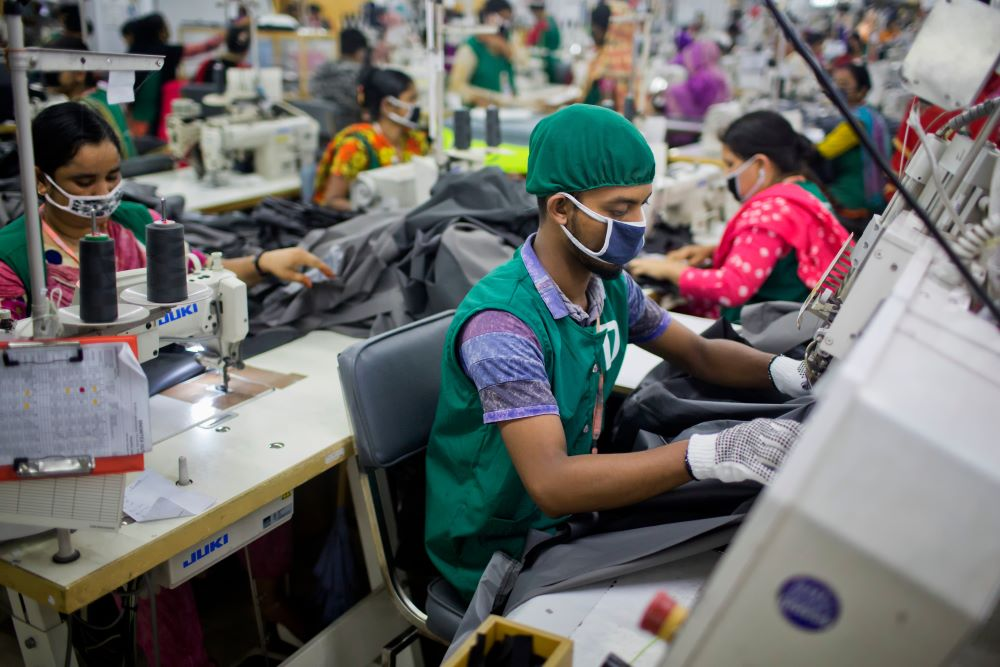 The IFC's PaCT Portal leverages data-driven monitoring and real-time analytics to help Bangladesh garment factories operate sustainably.