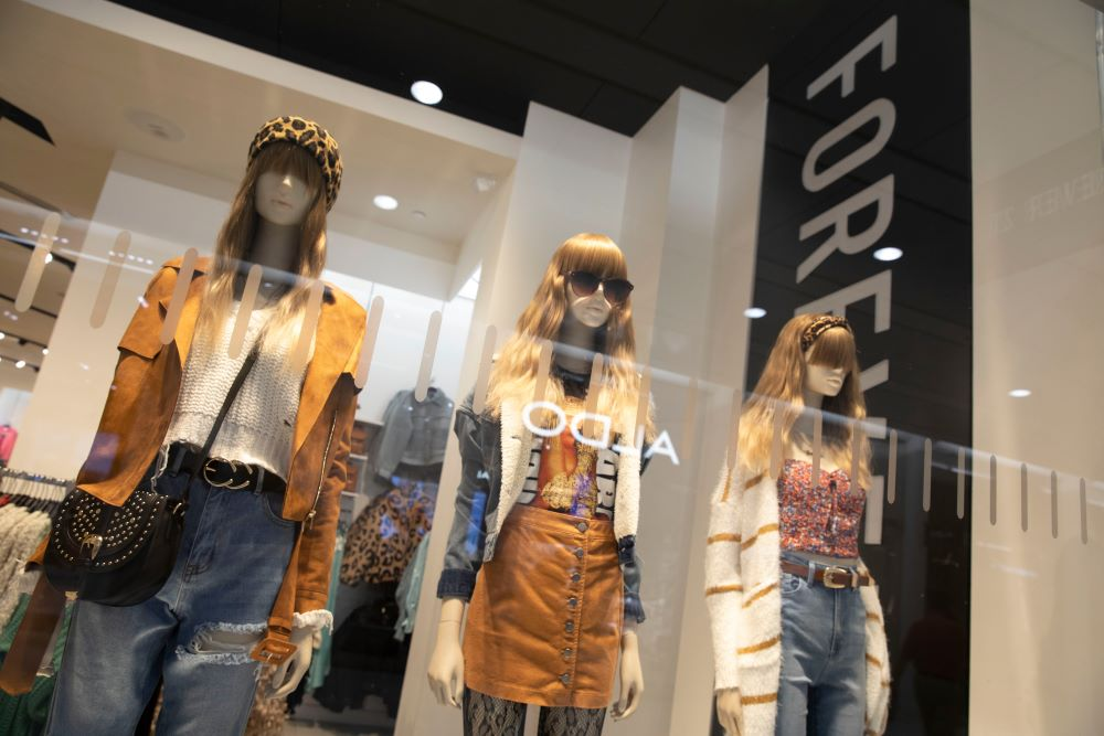 Authentic Brands, Simon Property and Brookfield Property have acquired bankrupt Forever 21, seeking a new CEO to run the fashion chain.