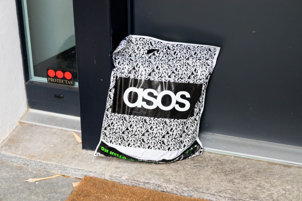 British fast-fashion e-tailer Asos has reduced the operationally derived carbon emissions generated per order by nearly one-third.